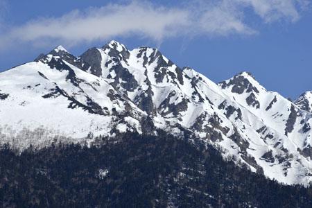 残雪の西穂高稜線