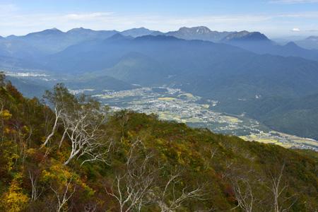 遠見尾根から眺める戸隠連峰、雨飾山など