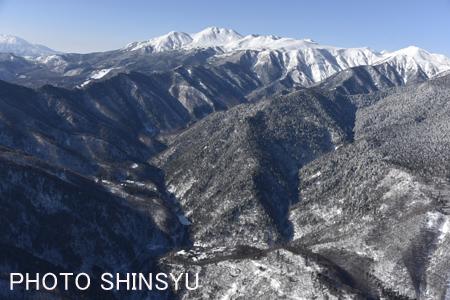 乗鞍岳と白骨温泉(下方)