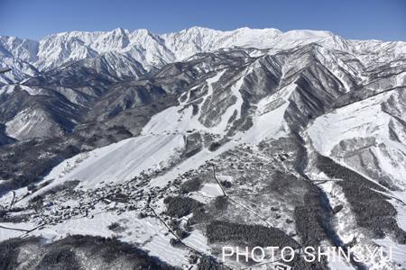 栂池スキー場と白馬連山