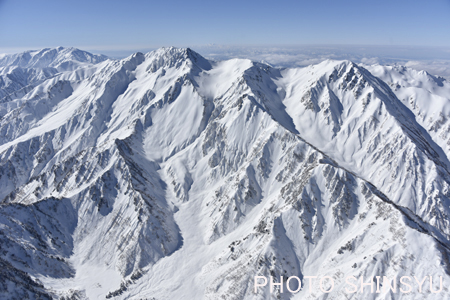 黒部川上空からの立山