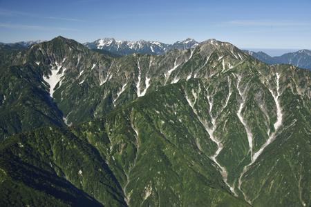 鹿島槍ヶ岳と五竜岳(奥には立山、剱岳)