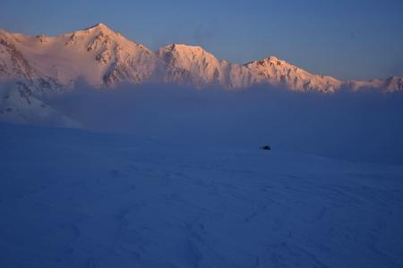 朝日に染まる白馬三山